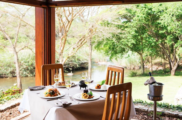 Sip fine wine and enjoy mouthwatering meals at Hippo Hollow Country Estate.