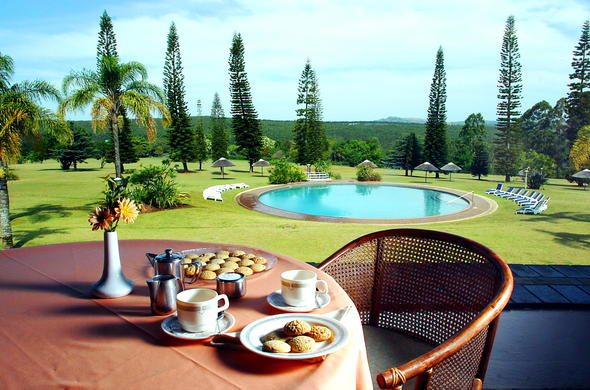 Enjoy an afternoon tea around the swimming pool.